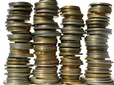 Istoria banilor. Totul a început cu nişte colţi de câine